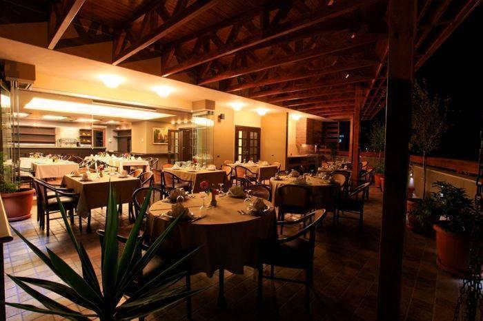 Hotel Victoria, Tirana, Albania, Ofertas de hoy en día en la cama & Desayunos en Tirana