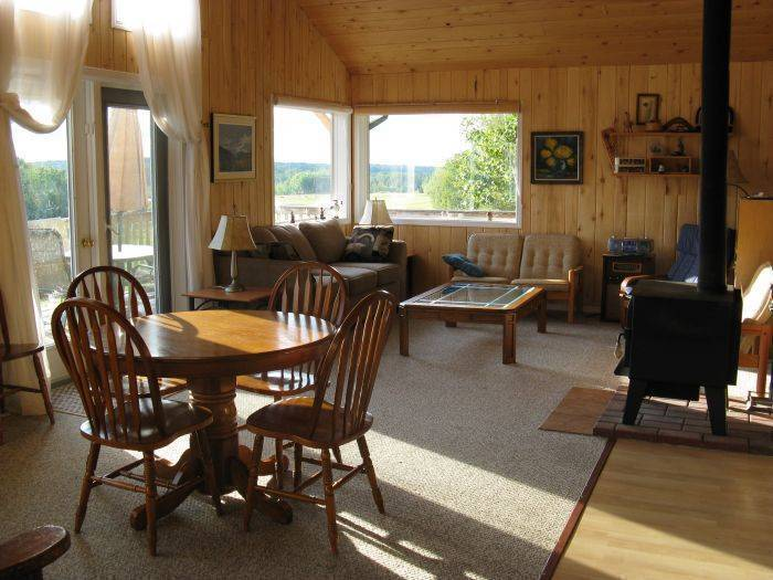 Hidden Springs Retreat and Guest House, Winfield, Alberta, Alberta hostels and hotels