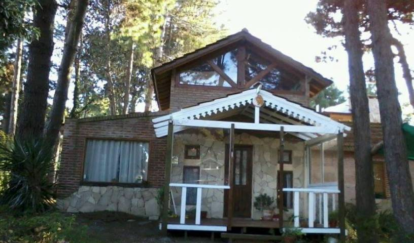 El Ingles - Get cheap hostel rates and check availability in Pinamar, cheap hostels 10 photos