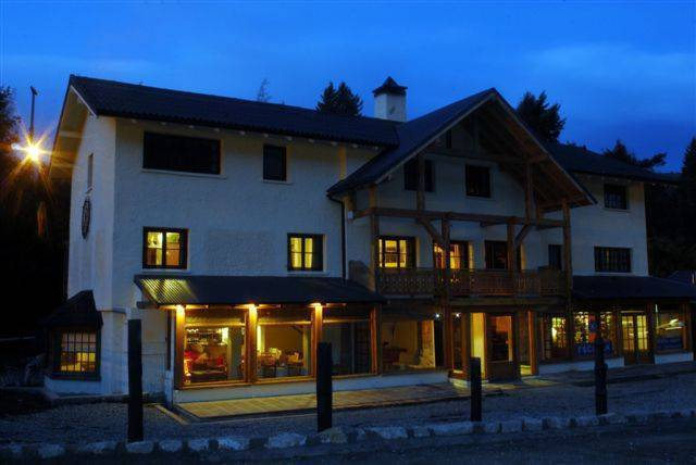 Knapp Legendary Ski Hotel, San Carlos de Bariloche, Argentina, explore things to see, reserve a bed & breakfast now in San Carlos de Bariloche