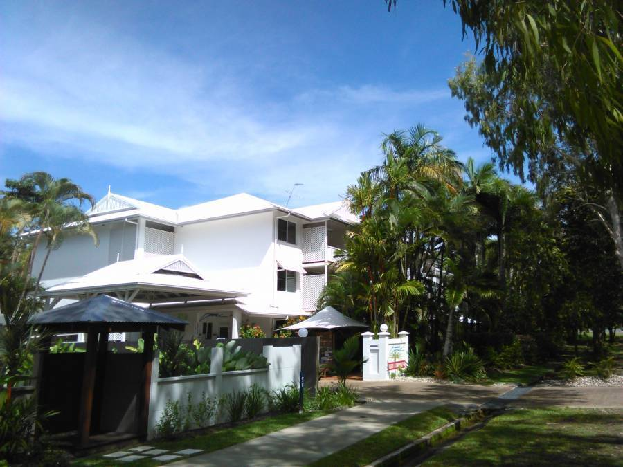 Coral Apartments Port Douglas, Port Douglas, Australia, exclusive bed & breakfasts in Port Douglas