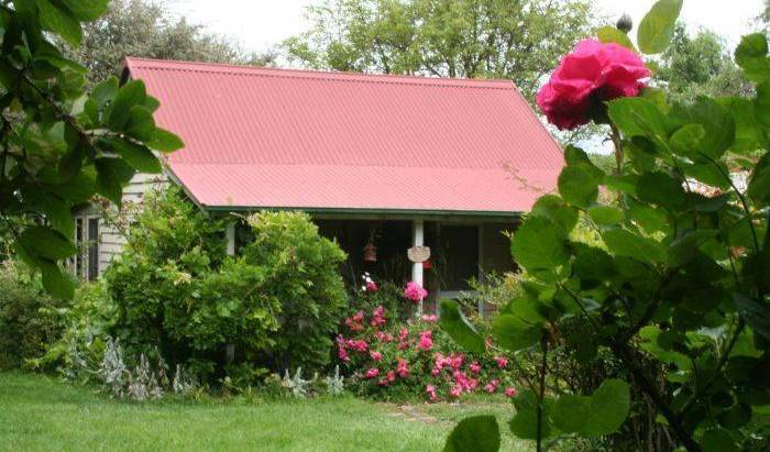 Poppy's Cottage Bed and Breakfast -  Armidale 9 photos