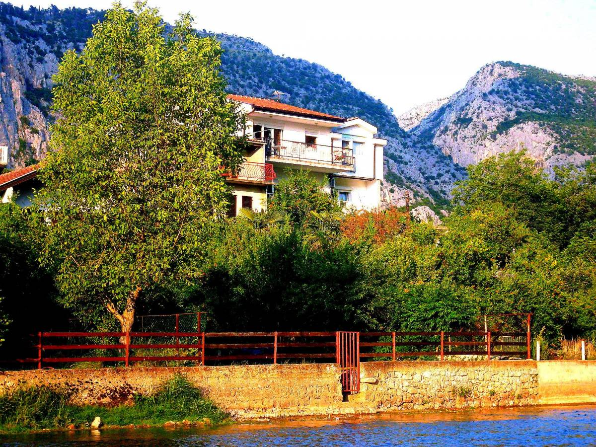 Villa Basic, Blagaj, Bosnia and Herzegovina, hostel deal of the year in Blagaj