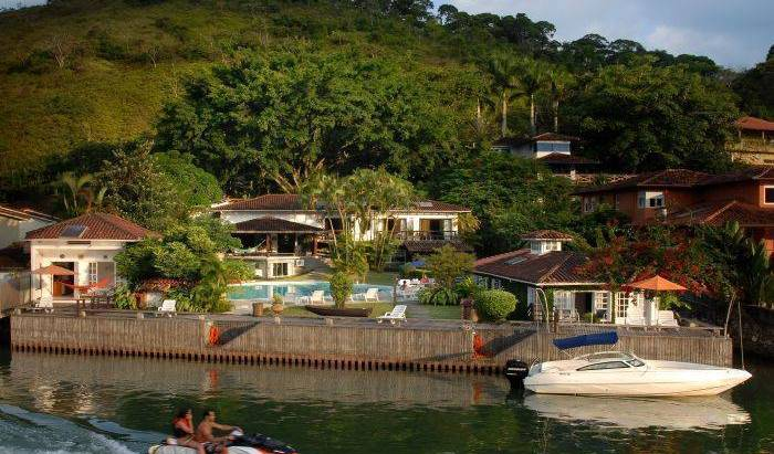 Angra Dos Reis Guest House - Search for free rooms and guaranteed low rates in Angra dos Reis 14 photos