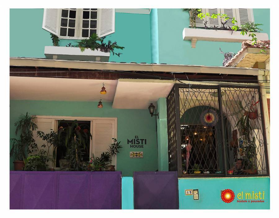 El Misti House, Copacabana, Brazil, how to select a bed & breakfast and where to eat in Copacabana