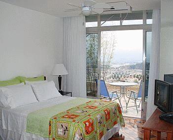 Um Meia Tres, Rio de Janeiro, Brazil, Brazil hostels and hotels