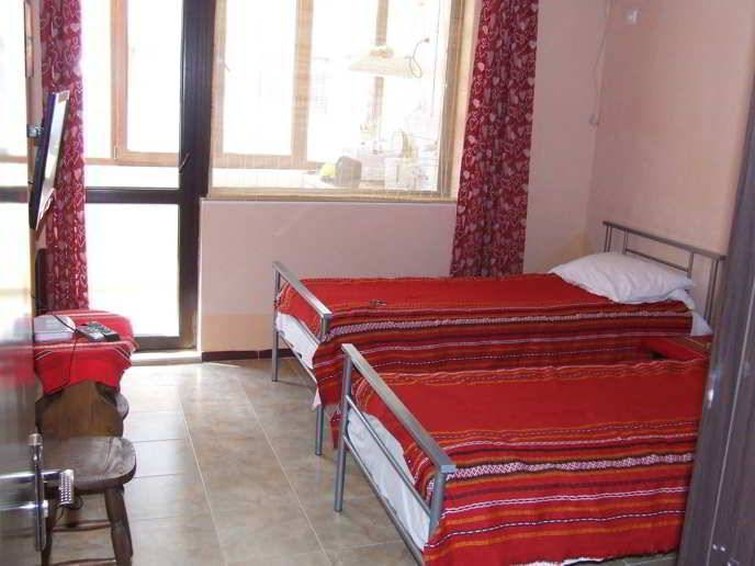 Asparuhov Guest Rooms, Varna, Bulgaria, find cheap hostel deals and discounts in Varna