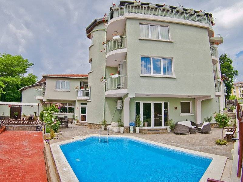 Family Hotel Amfora, Varna, Bulgaria, cheap lodging in Varna