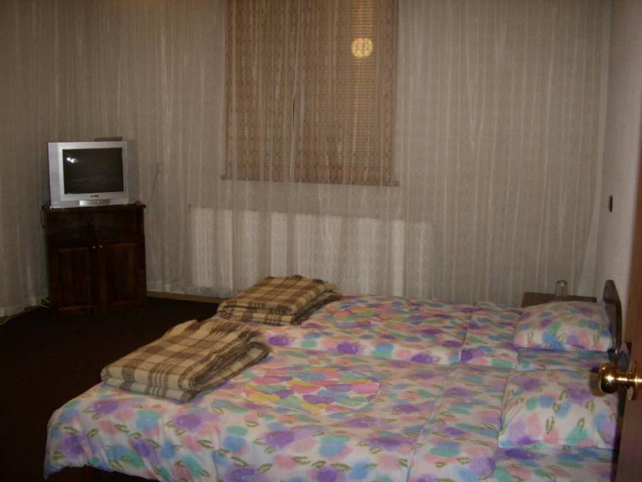 Guest House In Bansko, Bansko, Bulgaria, international backpacking and backpackers hotels in Bansko