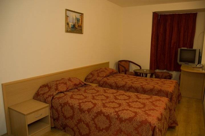 Hotel Victoria, Varna, Bulgaria, most reviewed hostels for vacations in Varna