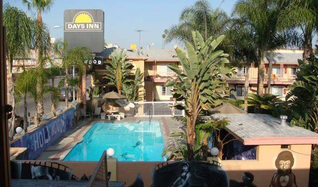 Days Inn Walk Of Fame-Universal Studios -  Hollywood, bed and breakfast bookings 2 photos