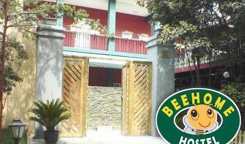 Beehome Hostel, hostels with rooftop bars and dining 10 photos