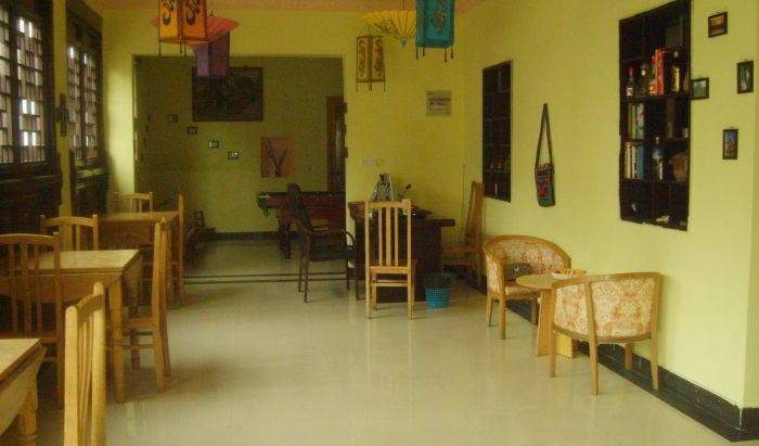 Twin Bridge Hostel - Search for free rooms and guaranteed low rates in Zhouzhuang 16 photos