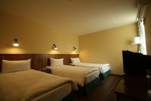 Le Tour Traveler's Rest Youth Hostel, Shanghai, China, China bed and breakfasts and hotels