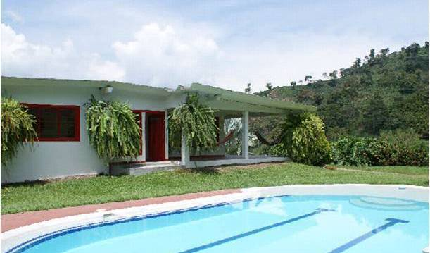 Hacienda Venecia - Search for free rooms and guaranteed low rates in Manizales, backpacker hostel 7 photos