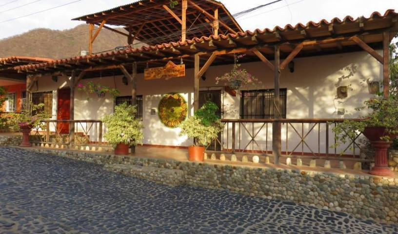 Magic House - Search for free rooms and guaranteed low rates in Taganga 27 photos