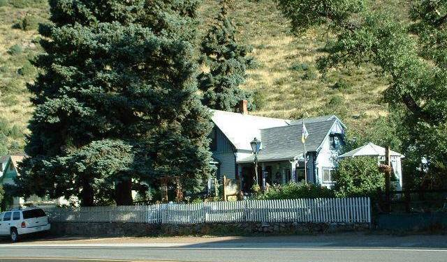 Mad Creek Bed And Breakfast - Search for free rooms and guaranteed low rates in Empire 7 photos