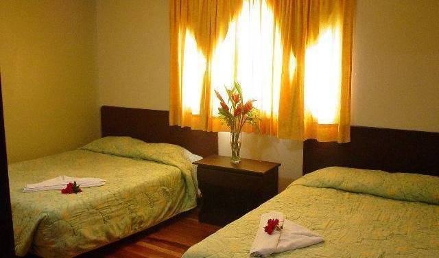 Airport Backpacker Hotel -  Alajuela, bed and breakfast bookings 16 photos