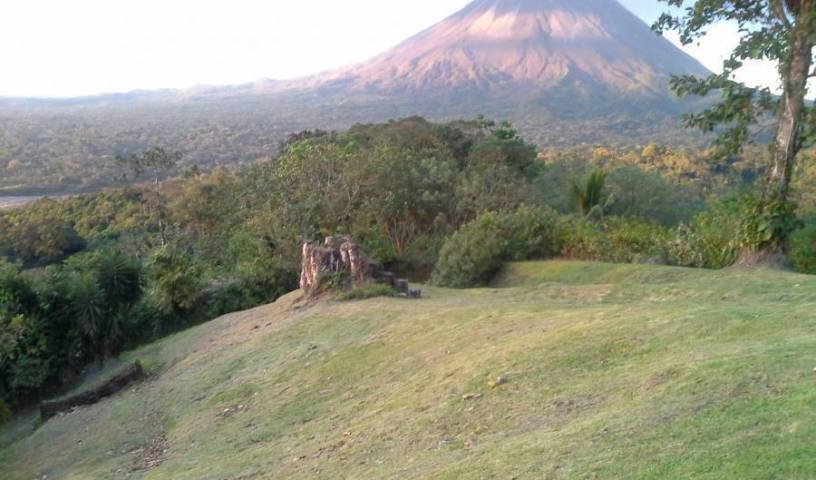 Arenal Tropical Garden Lodge - Get cheap hostel rates and check availability in Volcan Arenal 14 photos