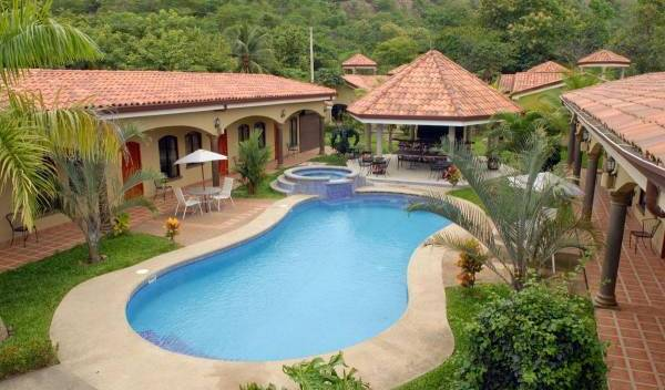 Las Brisas Resort and Villas - Get cheap hostel rates and check availability in Pochotal 3 photos