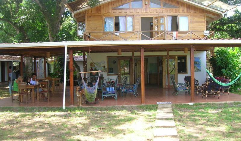 Shangri La Hostel - Search for free rooms and guaranteed low rates in Cahuita 4 photos