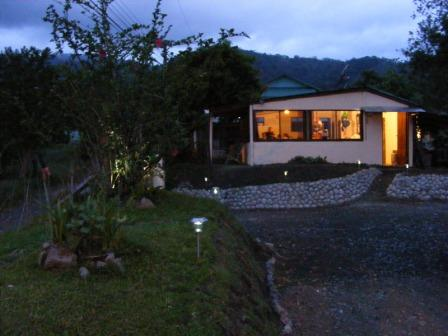 Essence Arenal Boutique Hostel, Fortuna, Costa Rica, fine holidays in Fortuna