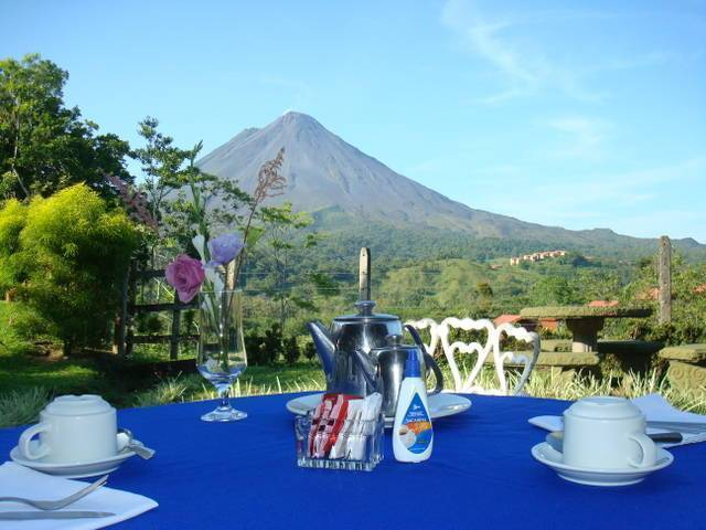 Hotel Arenal Palace, Fortuna, Costa Rica, hostels, special offers, packages, specials, and weekend breaks in Fortuna