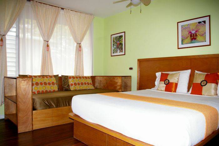 Hotel La Mandarina, Manuel Antonio, Costa Rica, backpackers gear and staying in hotels or budget bed & breakfasts in Manuel Antonio