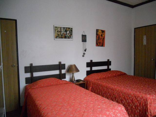 Hotel Santamaria, Alajuela, Costa Rica, find cheap hostel deals and discounts in Alajuela