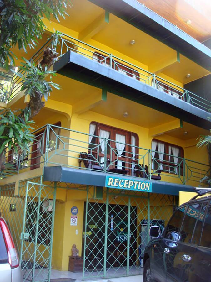Hy Paradise Inn, Manuel Antonio, Costa Rica, youth hostels and cheap hotels, stay close to what you want to see and do in Manuel Antonio
