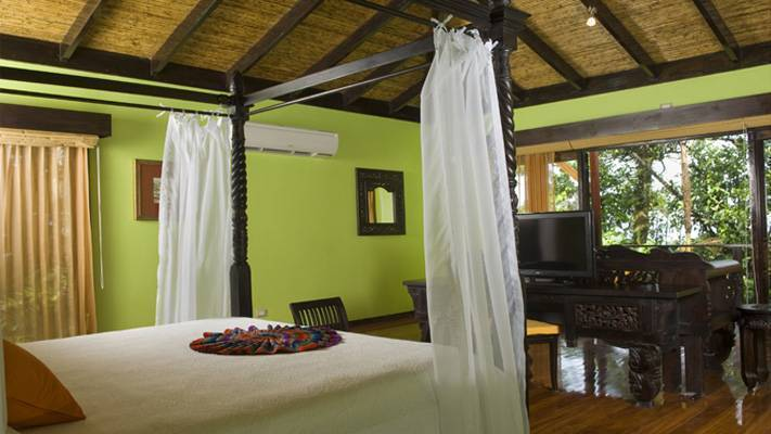 Rio Celeste Hideaway, Bijagua, Costa Rica, hostels for world cup, superbowl, and sports tournaments in Bijagua