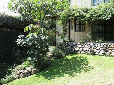 Tierra Magica B and B and Art Studio, Escazu, Costa Rica, discount lodging in Escazu