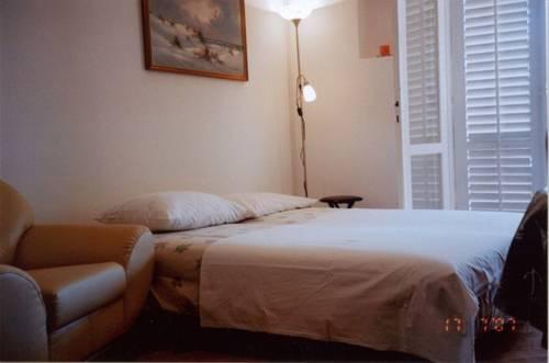 Apartment Lucija, Dubrovnik, Croatia, budget lodging in Dubrovnik