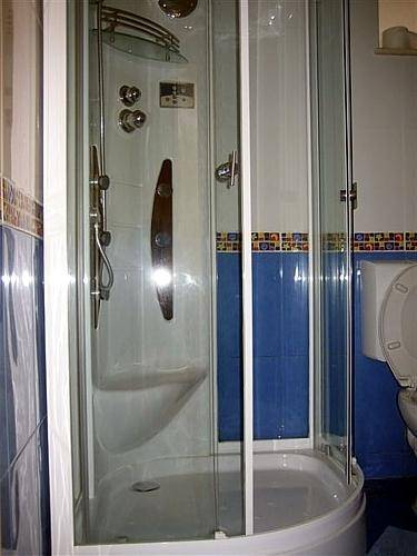 Apartment Mauro, Dubrovnik, Croatia, what is a backpackers hostel? Ask us and book now in Dubrovnik