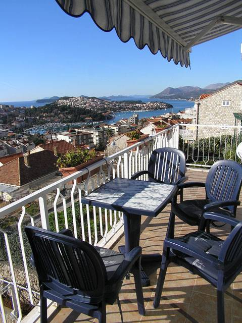 Apartment Petrusic, Dubrovnik, Croatia, gay friendly hostels, cheap hotels and B&Bs in Dubrovnik