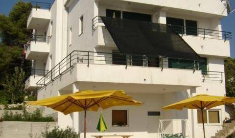 Apartments Villa Goja - Search available rooms and beds for hostel and hotel reservations in Trogir 14 photos