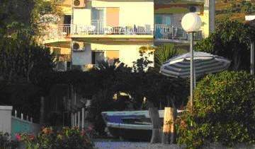Car Apartments - Search available rooms and beds for hostel and hotel reservations in Podstrana 8 photos