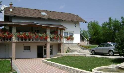 House Sara -  Rakovica, bed and breakfast bookings 12 photos
