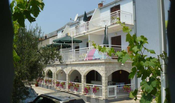 Villa Irena - Search available rooms and beds for hostel and hotel reservations in Orebic 5 photos
