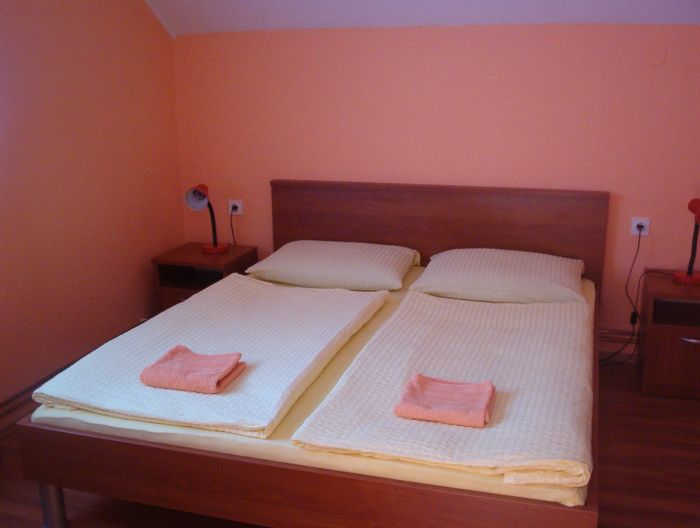 House Sara, Rakovica, Croatia, bed & breakfasts for world cup, superbowl, and sports tournaments in Rakovica