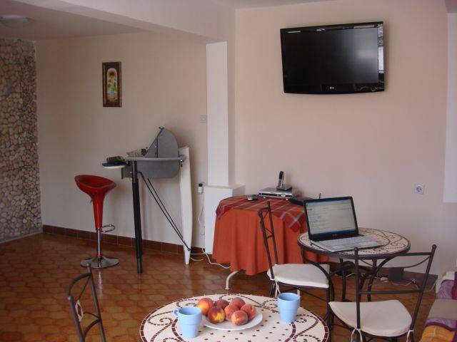 Mia Casa, Supetar, Croatia, guaranteed best price for hostels and backpackers in Supetar