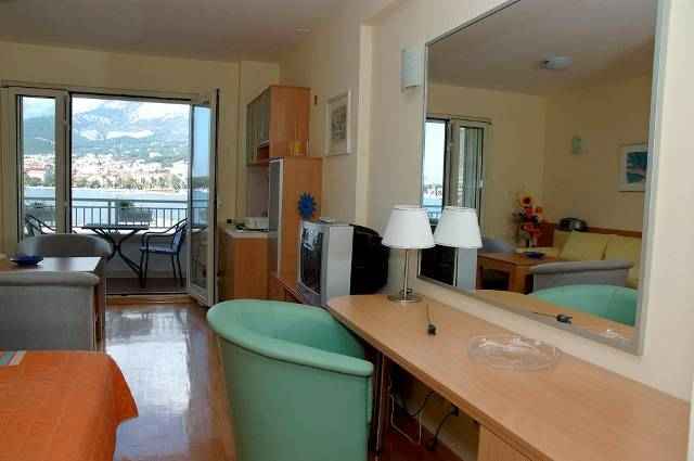 Studios Lulic, Makarska, Croatia, Croatia hostels and hotels