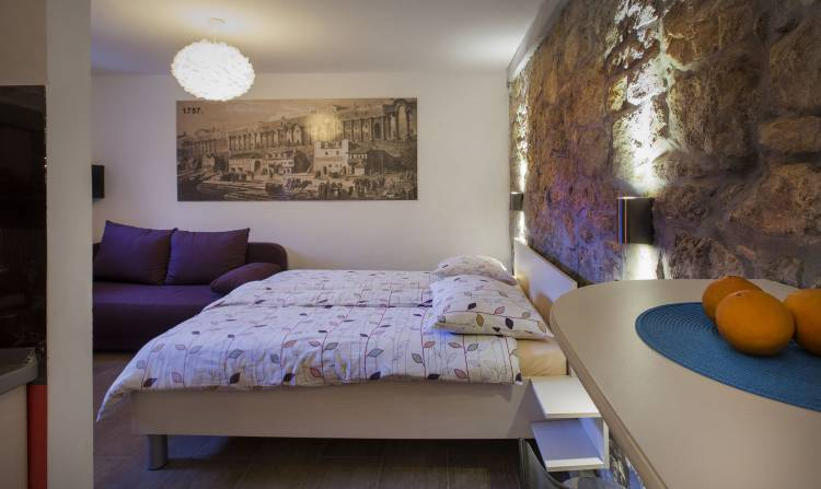 Veli Varos Apartments and Rooms, Split, Croatia, female friendly bed & breakfasts and hotels in Split