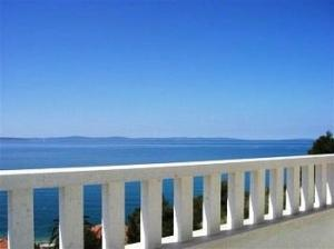Villa Apartments Johnny, Split, Croatia, backpackers gear and staying in cheap hotels or budget hostels in Split
