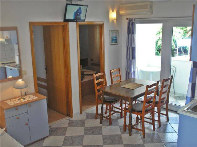 Villa Bonaca, Baska Voda, Croatia, Croatia hostels and hotels