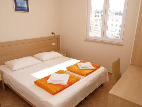 Villa Bondi, Makarska, Croatia, hostels in safe locations in Makarska