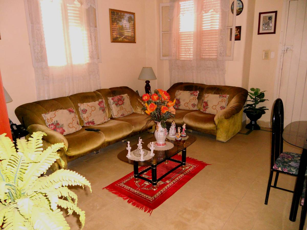Apartamento de Omar, Centro Habana, Cuba, Cuba bed and breakfasts and hotels