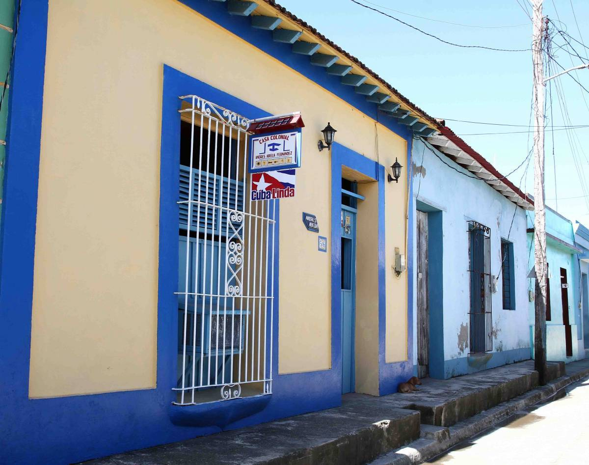 Casa Andres Abella, Baracoa, Cuba, online bookings, bed & breakfast bookings, city guides, vacations, student travel, budget travel in Baracoa