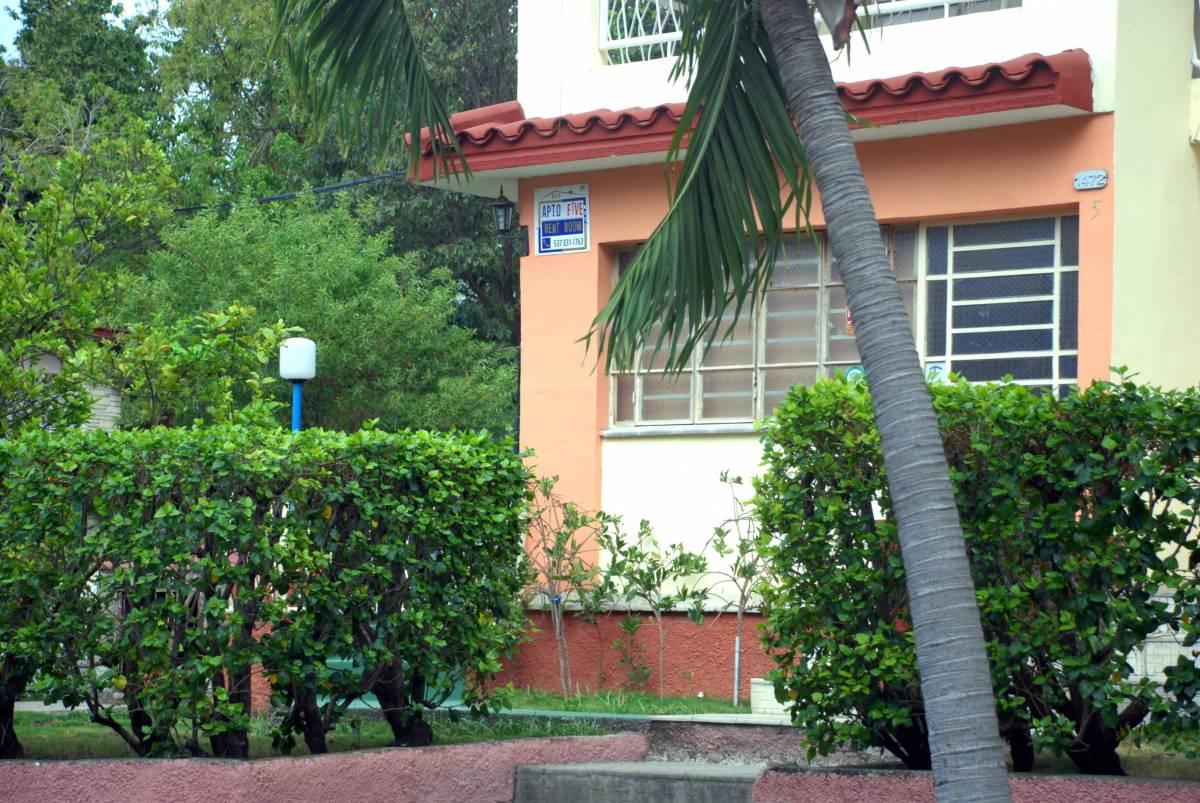 Hostal Aptofive, Alturas del Vedado, Cuba, plan your travel itinerary with hostels for every budget in Alturas del Vedado