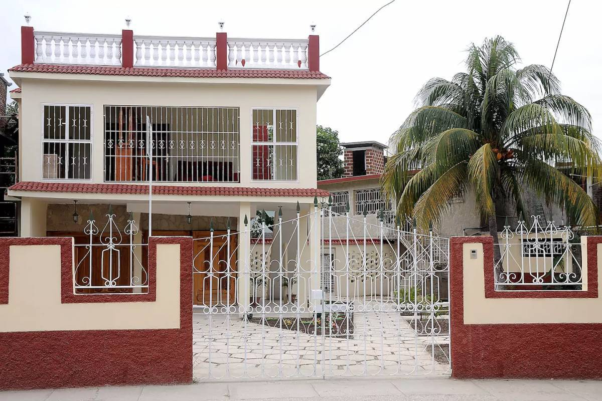 Hostal Raquel, Holguin, Cuba, Cuba hostels and hotels